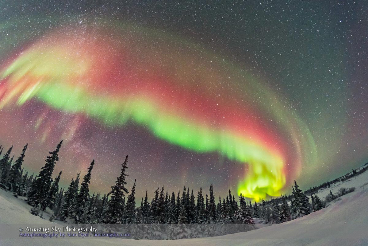 Northern lights aurora borealis Churchill Manitoba Canada - YouTube