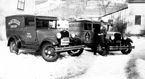 1 Maetzolds Grocery Phone 258 n Allyn's Bakery Sonny Boy Bread Delivery Vans 1932
