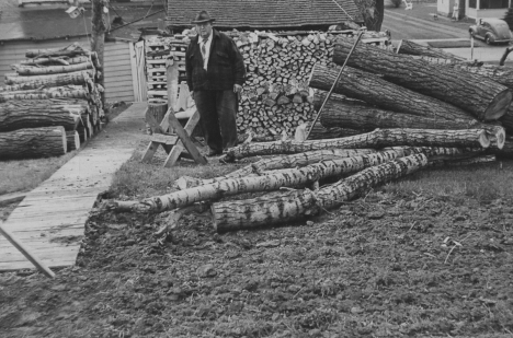 Harry Howe Making Firewood 1943 at 1413 Bush - Fuel Oil n Coal Were Rationed 02